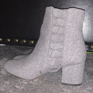 Nine West gray bootie